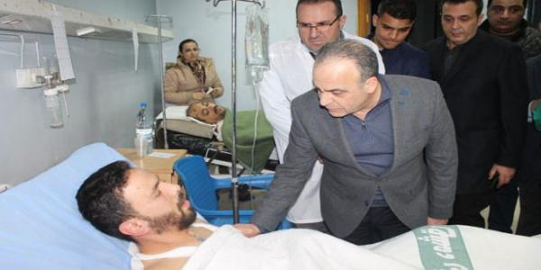 Premier Khamis offers condolences to martyrs' families, visits wounded in Bab al-Saghir terrorist bombings