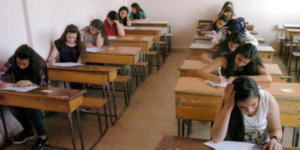 270,000 Basic Education students start final exams in Syrian provinces