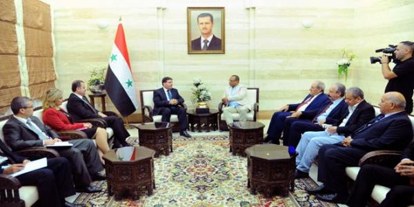 Premier al-Halqi meets Arab artists, hails their role in war against terrorism