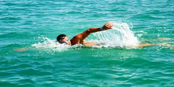 Syrian Swimmer manages to swim for 29 consecutive hours