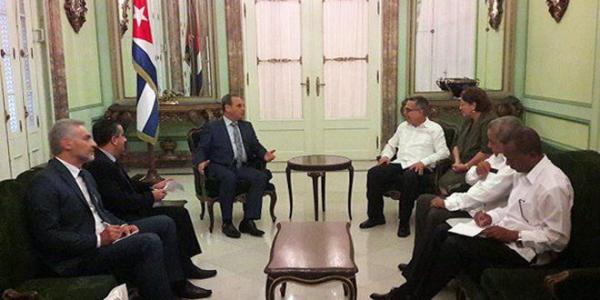 Syria, Cuba review cooperation relations, especially in health field