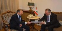 Bassil receives letter from al-Moallem regarding displaced Syrians